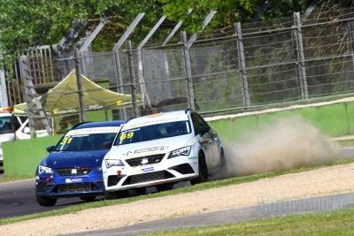 «Oleodinamica Mozioni» – производитель гидравлики принимает участие в гонках SEAT