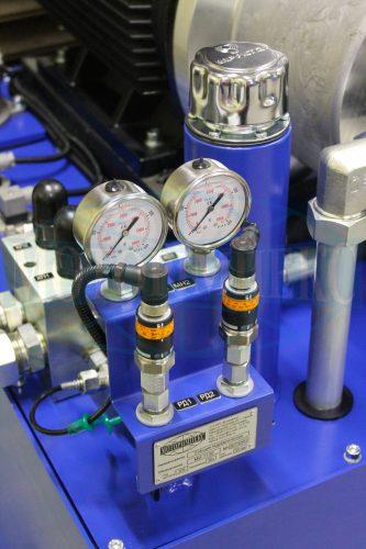 Манометры и реле давления гидростанции МИ-1130
