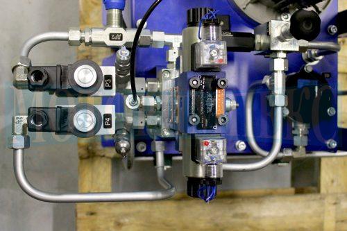 Гидрораспределитель Oleodinamica Mozioni WE6 и картриджные клапаны маслостанции СМИ-1167