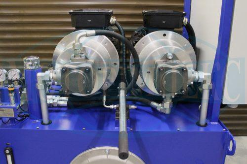 Шестеренные и ручной гидронасосы маслостанции МИ-1130
