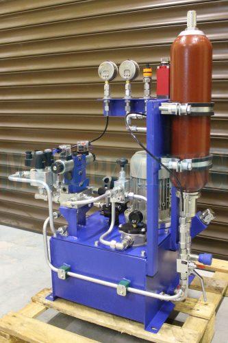 Гидроаккумулятор серии AS производителя Epoll на маслостанции СМИ-1167