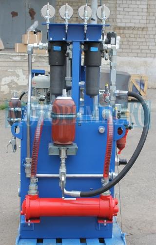 """Маслоохолоджувач та гідроаккумулятор на станції МІ-490 виробництва компанії """"Моторімпекс"""""""