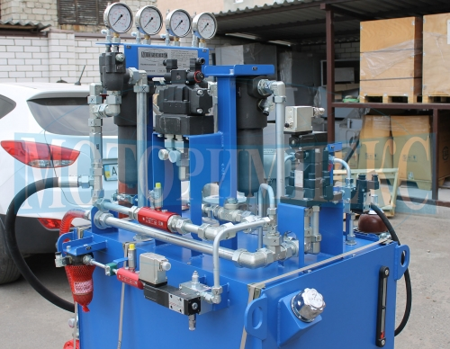 """Фільтри MPFiltri та гідроклапани Atos на гідравлічній станції МІ-490 виробництва компанії """"Моторімпекс"""""""