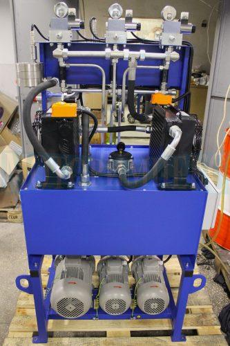 Воздушные маслоохладители с термостатами на гидравлической станции МИ-593