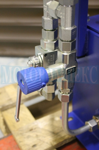 Дроссель и шаровой кран производителя Oleodinamica Marchesini маслостанции СМИ-1167