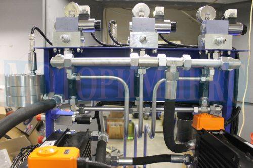 Гидрораспределители Ponar 4WE6 на монтажных плитах Oleodinamica Marchesini гидростанции МИ-593
