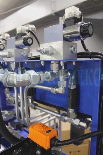 Гидрораспределитель Ponar 4WE6 на монтажной плите Oleodinamica Marchesini гидростанции МИ-593