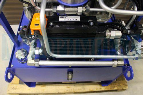 Гидрооборудование на баке маслостанции МИ-684: маслоохладитель с термостатом