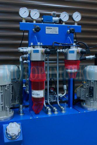 Гидрооборудование маслостанции СМИ-750: напорные фильтры, гидрораспределитель и манометры
