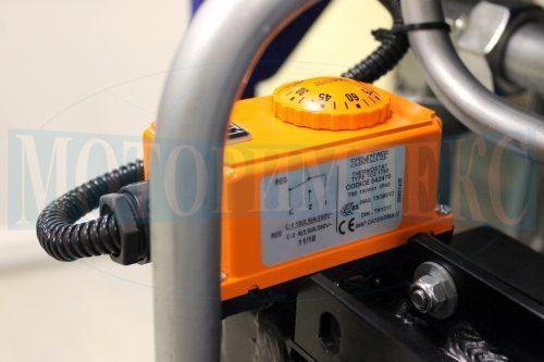 Термостат производителя OMT на воздушном маслоохладителе гидравлической станции МИ-684
