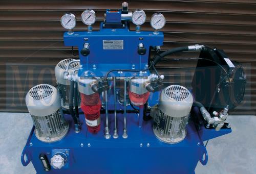 Гідрообладнання маслостанції СМІ-750: напірні фільтри, маслоохладитель, електродвигуни
