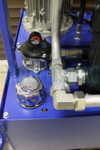 Заливная горловина и сливной фильтр производителя MPFiltri на маслостанции МИ-684