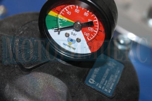 Индикатор загрязненности фильтоэлемента производителя MPFiltri на маслостанции МИ-684