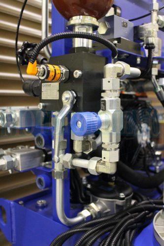 Дроссель Oleodinamica Marchesini, датчик давления IFM и блок безопасности Ponar - МИ-684
