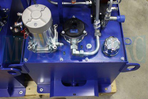 Встроенное гидрооборудование на баке маслостанции МИ-1260