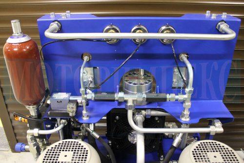 Гидрооборудование МИ-684: обратные клапаны и гидрораспределитель Ponar, гидроаккумулятор Epoll