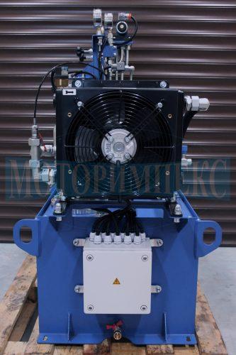 Маслоохладитель производителя OMT и шкаф управления гидравлической станции СМИ-750