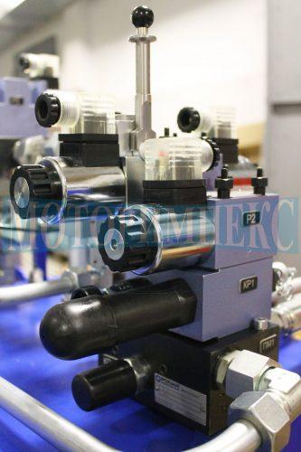 Гідророзподільники WE6 та клапани тиску виробника Ponar на гідравлічній станції